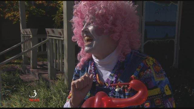 Portland Police: Man wearing clown mask arrested after shadow boxing toward students