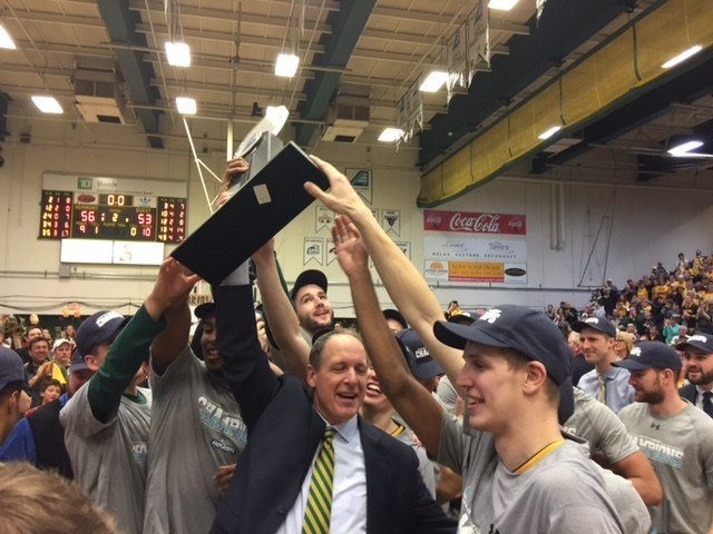 Vermont wins 2017 America East basketball tournament, extending nation's longest winning streak
