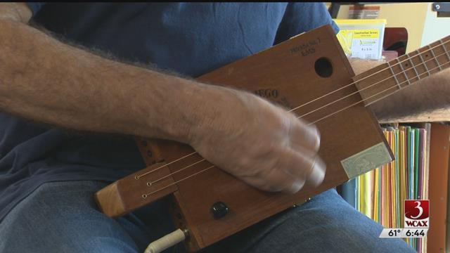 MiVT: Old Crow Mojo Guitars